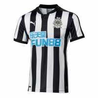 Puma Домакинска Футболна Фланелка Newcastle United Home Shirt 2017 2018 Black/White Футболни тениски на Нюкасъл Юнайтед