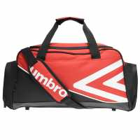 Umbro Shelbourne Holdall Black/White Сакове за фитнес