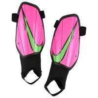 Nike Протектори За Пищял Charge Shin Guards Juniors Pink Blast Футболни аксесоари